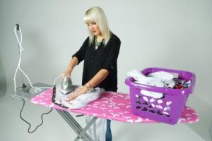 EIne Bügelpuppe bietet viele Vorteile gegenüber einem Bügeleisen